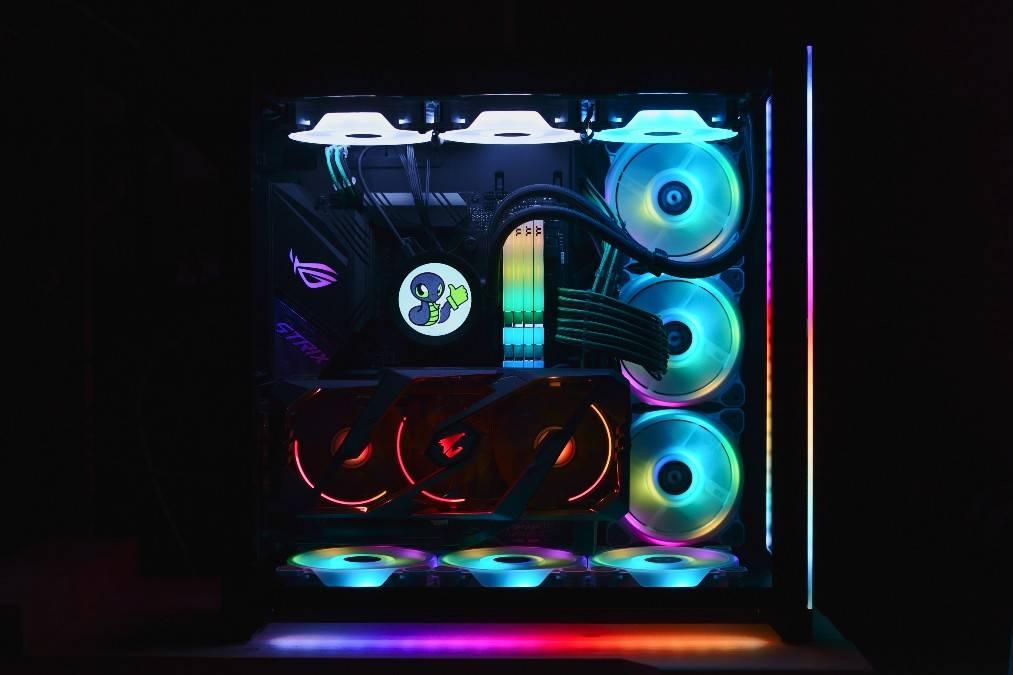 My gaming pc!! RGB set up!